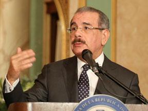Danilo Medina analiza con senadores la posibilidad de ganar las 32 provincias