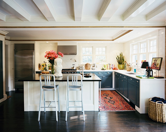 The Peak of Tres Chic Kitchen Trend No Upper Cabinets