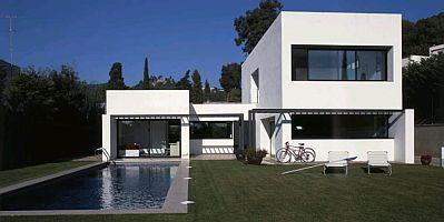Banco de imagenes y fotos gratis fotos de casas modernas for Casas modernas y grandes