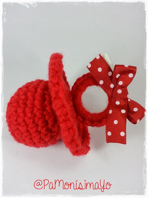 Chupete rojo ganchillo @pamonisimayo