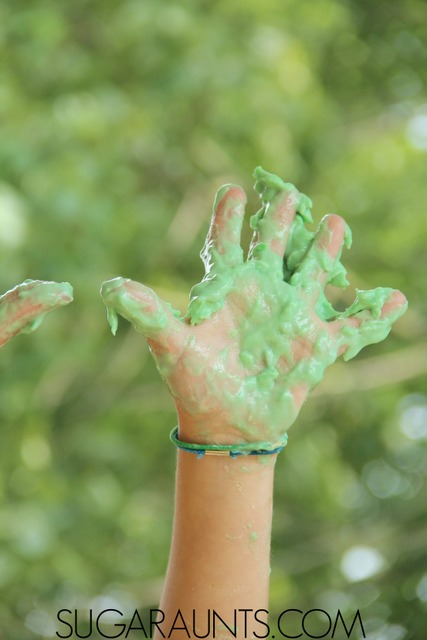 Make fizzy sensory dough with baking soda dough and vinegar for a wonderfully messy sensory play for kids