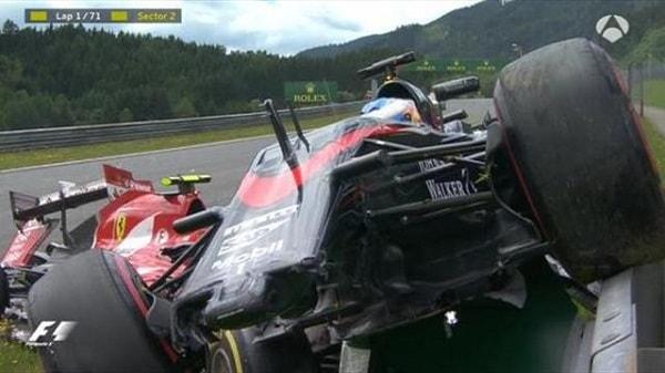 Choque Alonso Raikkonen Fórmula 1 Austria