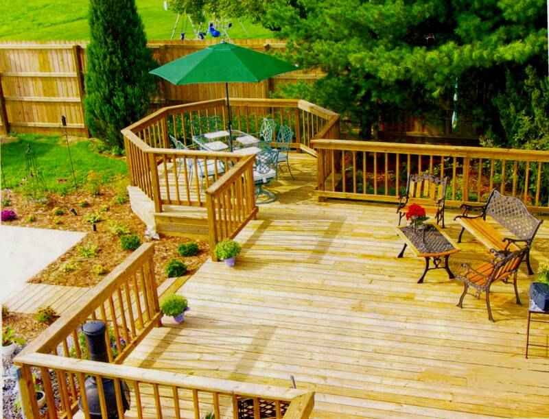 Design your own deck design composite deck design wood for Wood deck designs free