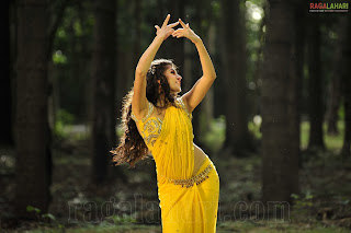 Tapsee Pannu in yellow Saree Dancing Cute Naughty Stills HQ Pics of Spicy Tapsee Pannu