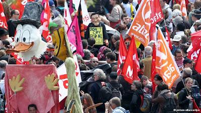 Alemanha: PROTESTOS ANTICAPITALISMO PARALISAM FRANKFURT