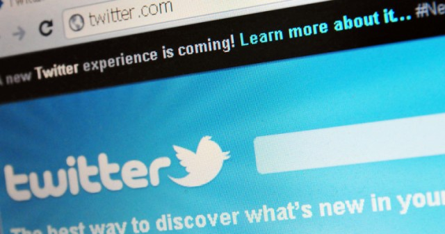 Twitter's Organic Search Traffic up 20% Since Being Reindexed in Google : eAskme