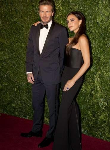 Depois de acidente, Beckham brilha em tapete vermelho