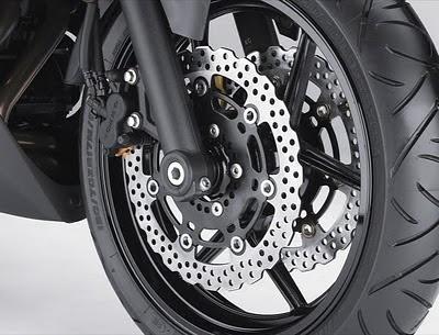 2011 Kawasaki Ninja 650R Front Brake.jpg