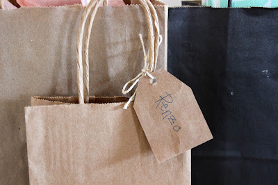 cute eco friendly gift wrapping for the Christmas holidays