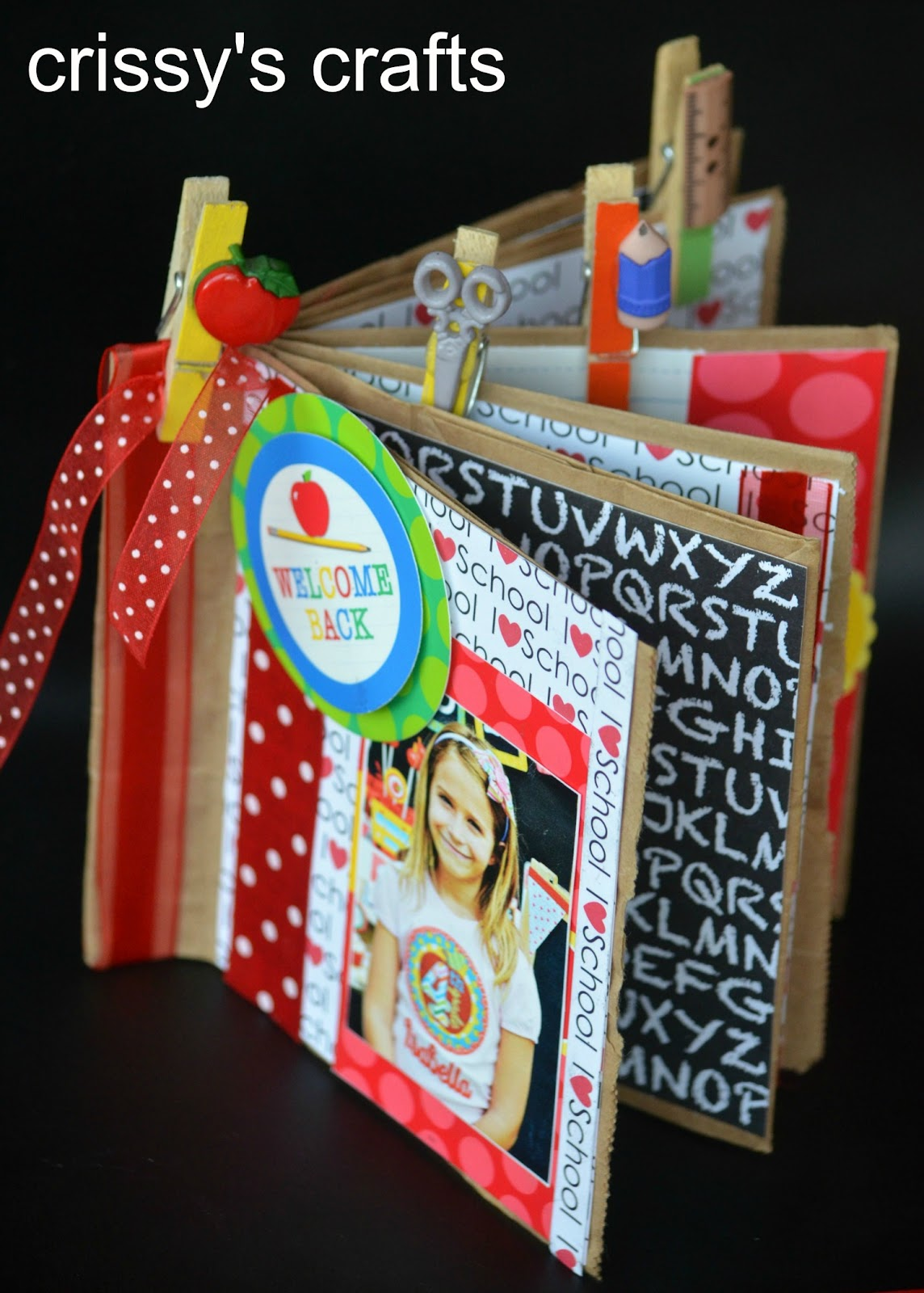 How to make a homemade scrapbook with construction paper - How To Make A Homemade Scrapbook With Construction Paper Diy Mini Scrapbook
