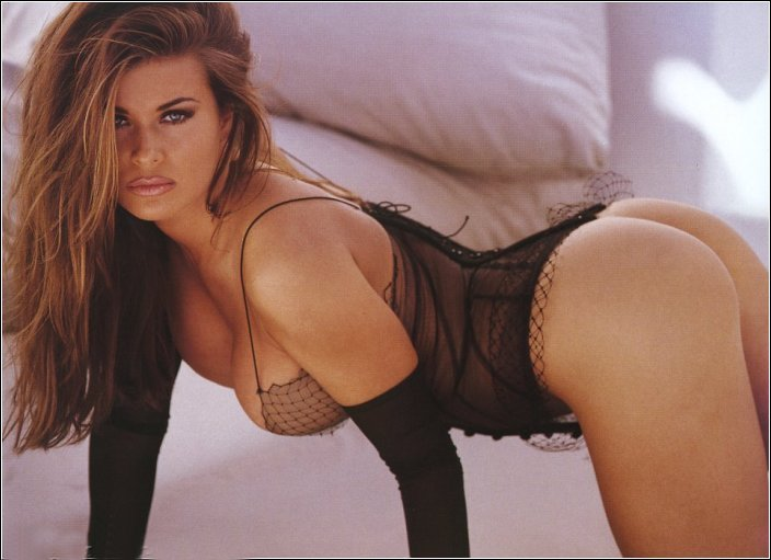 AbsoluGirl - carmen electra nue video sexy en streaming