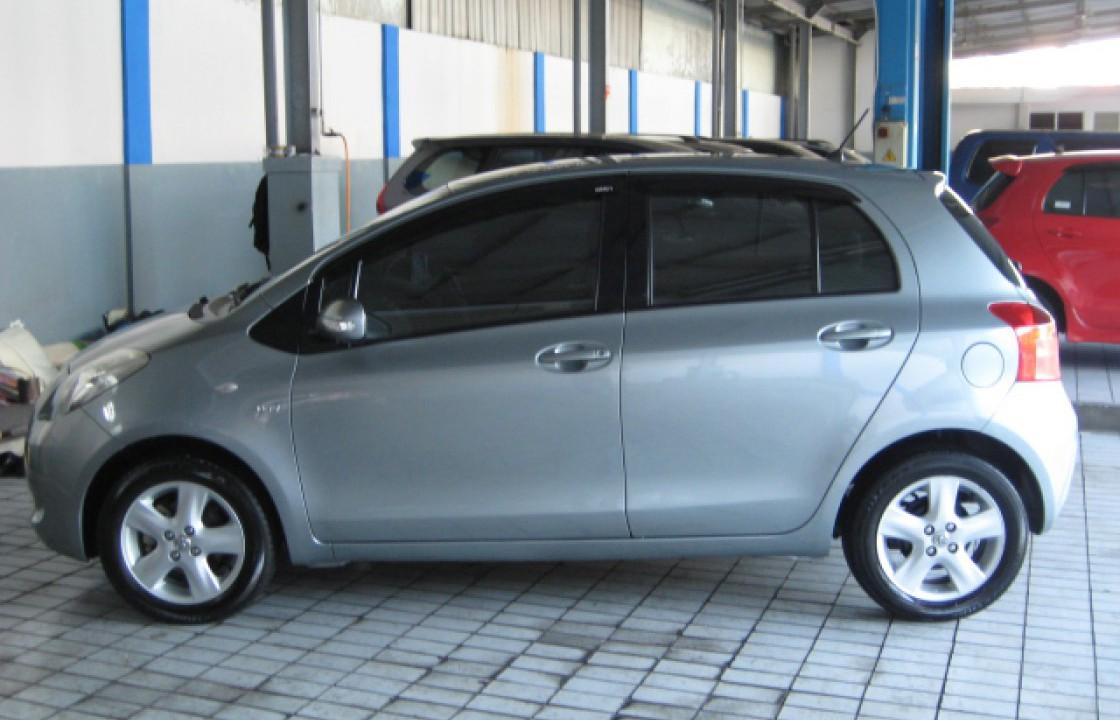 Yaris E ~ Jual Beli Mobil