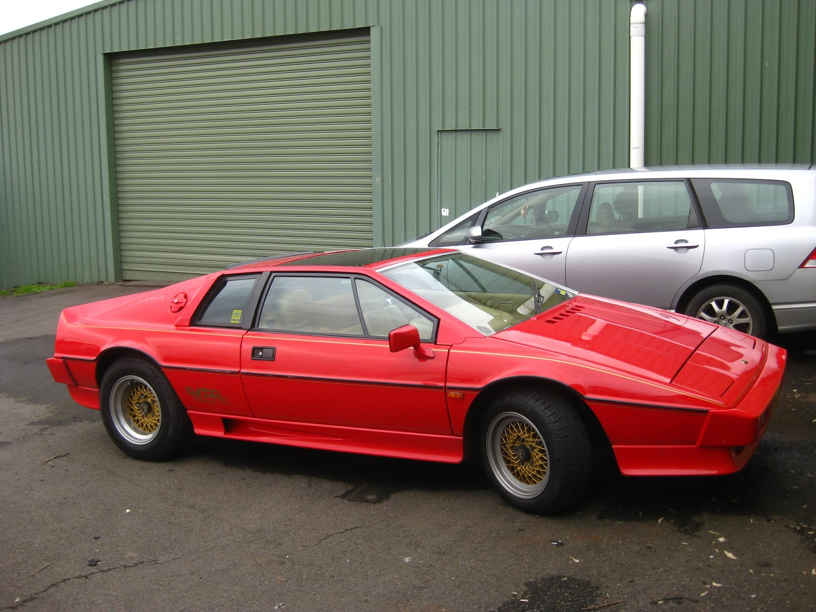 Aussie Old Parked Cars: 1985 Lotus Esprit Turbo
