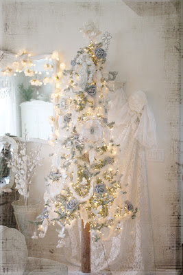 ozma of odds: ...oh christmas tree ~ oh christmas tree ~ how lovely are your branches!