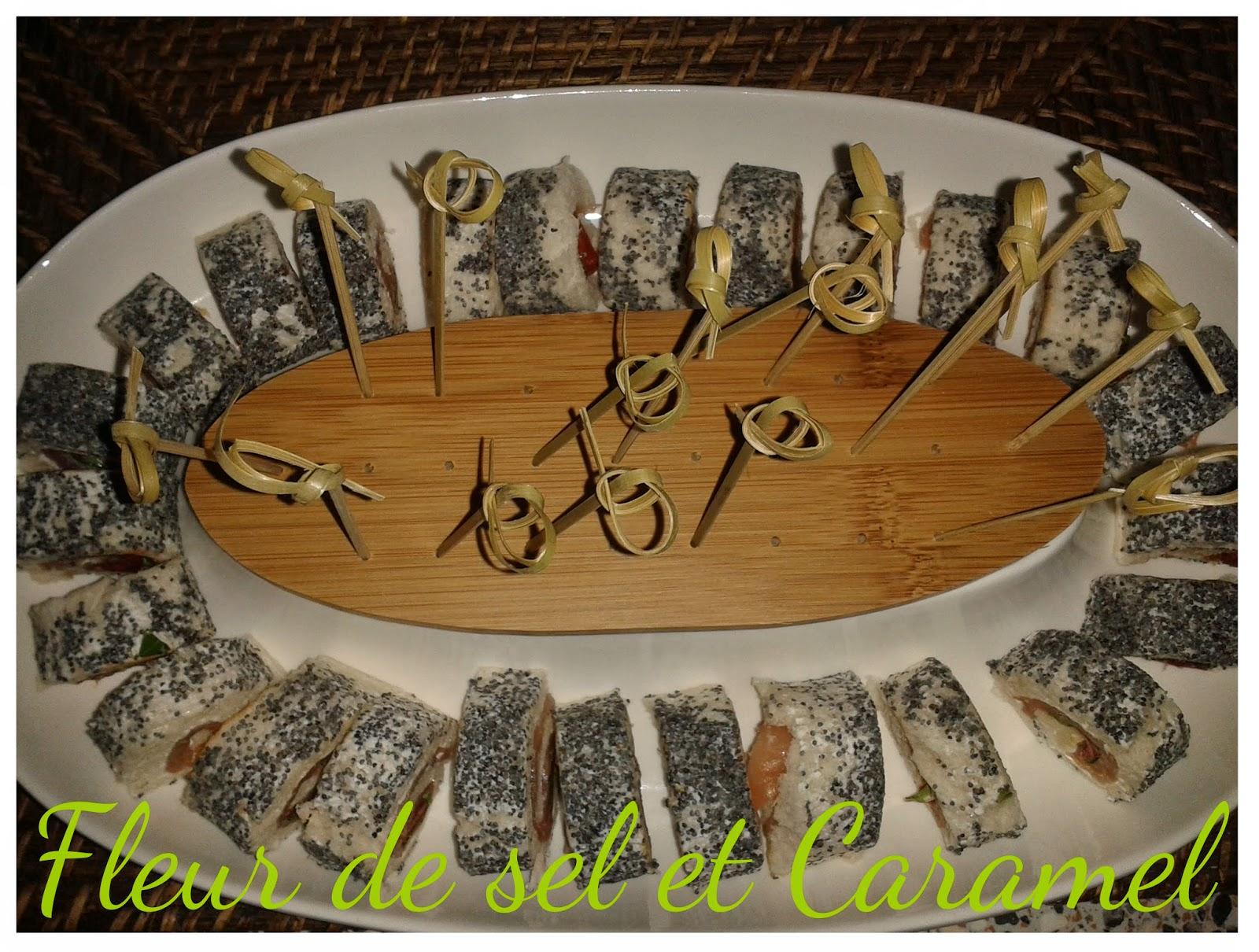 Roulés saumon fumé, fromage frais, poivron et pavot