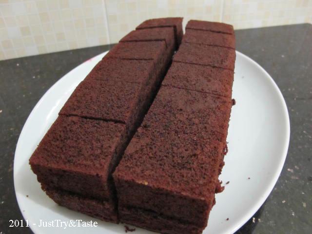 Resep Cake Coklat Kukus Lapis Selai Strawberry   Just Try ...