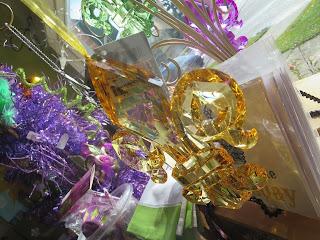 https://squareup.com/market/nestinteriors/mardi-gras-fleur-de-lis-ornament