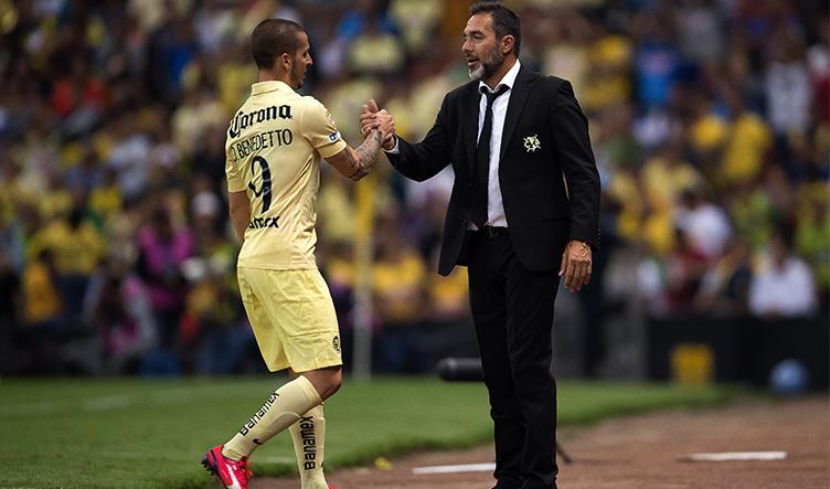 Darío Benedetto, jugador de las Águilas del América, anotó cuatro goles en la goleada americanisa sobre el Herediano de Costa Rica, en el partido de vuelta de la Semifinal de la Concachampions 2015 | Ximinia