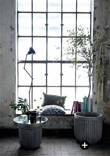 vosgesparis monday giveaway a zinc plant pot from house doctor. Black Bedroom Furniture Sets. Home Design Ideas
