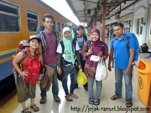 """Backpacking dari Stasiun Pasar Senen"""