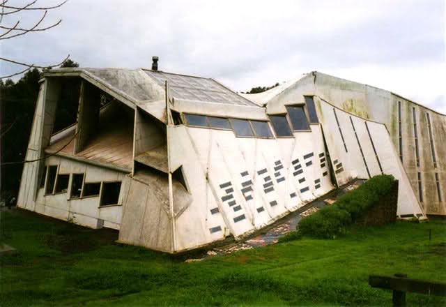 Creative and unusual buildings around the world the fun for Unique architecture around the world