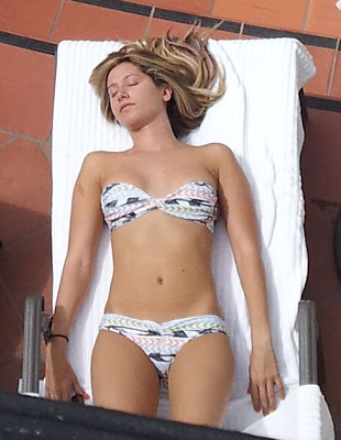 Ashley Tisdale sexy bikini ass in Santa Barbara - picture 1