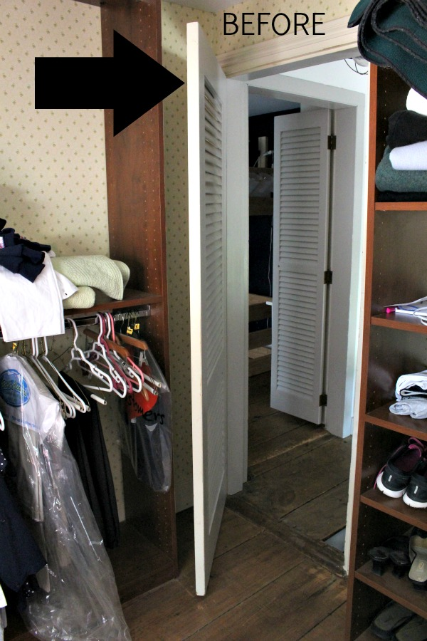 walk-in closet makeover with built-ins before
