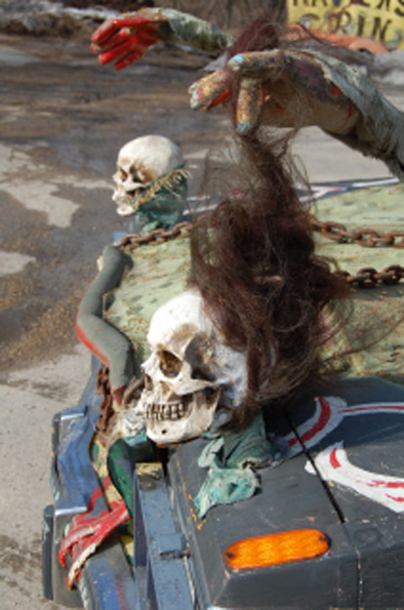 Spooky Art Car Scares Customers at Raven's Grin Inn - Jim Warfield