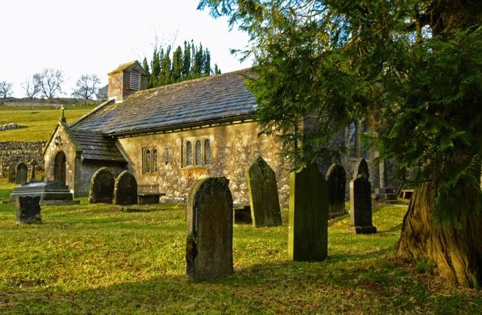 Chapel-le-Dale, St Leonard's, churchyard