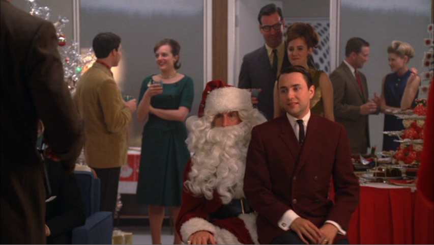 not exactly a sitcom classic but nothing makes you feel more classy and traditionally christmas than by spending it with don draper in the 1960s - Best Christmas Episodes On Netflix