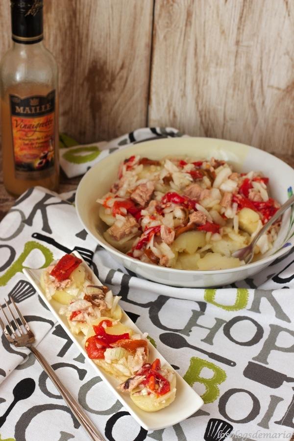 Ensalada de patatas y pimientos rosara a la vinagreta de manzana