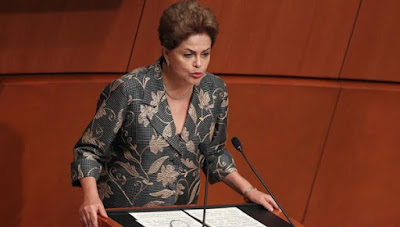 Rousseff pide en México economía basada en inclusión social