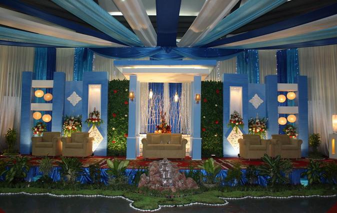 Pelaminan Dengan dekorasi dengan Corak warna Biru Muda