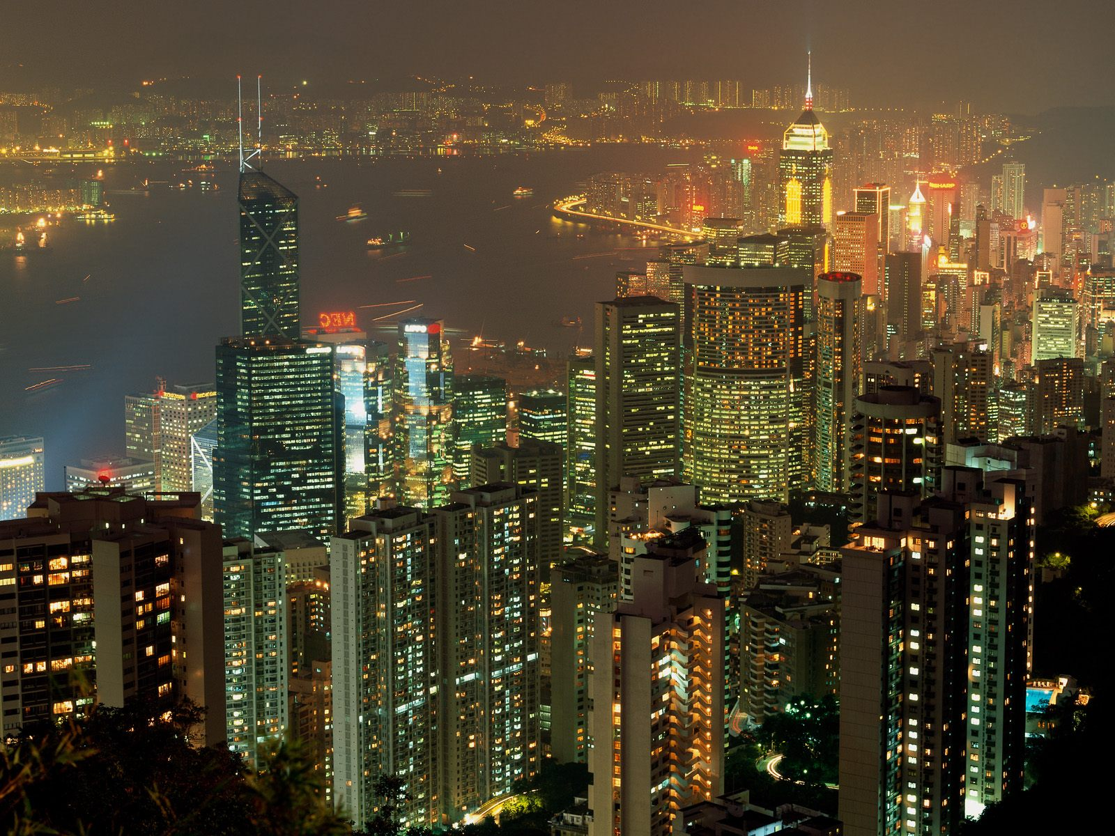 http://3.bp.blogspot.com/-GCLIxIxVayA/Td9Uiik1TfI/AAAAAAAABMw/627Yl8wjduQ/s1600/hong_kong_lights-5720.jpg