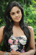 Karthika Nair latest photo shoot-thumbnail-10