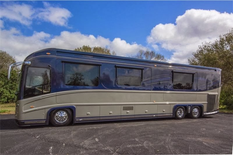 used rvs 2011 newell 45 p2000i for sale for sale by owner. Black Bedroom Furniture Sets. Home Design Ideas