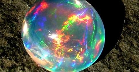 Tips Memperbaiki Batu Black Opal Yang Retak