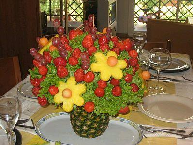 Otro Centro De Mesa En Base A Frutas  En Este Tienes Brochetas De