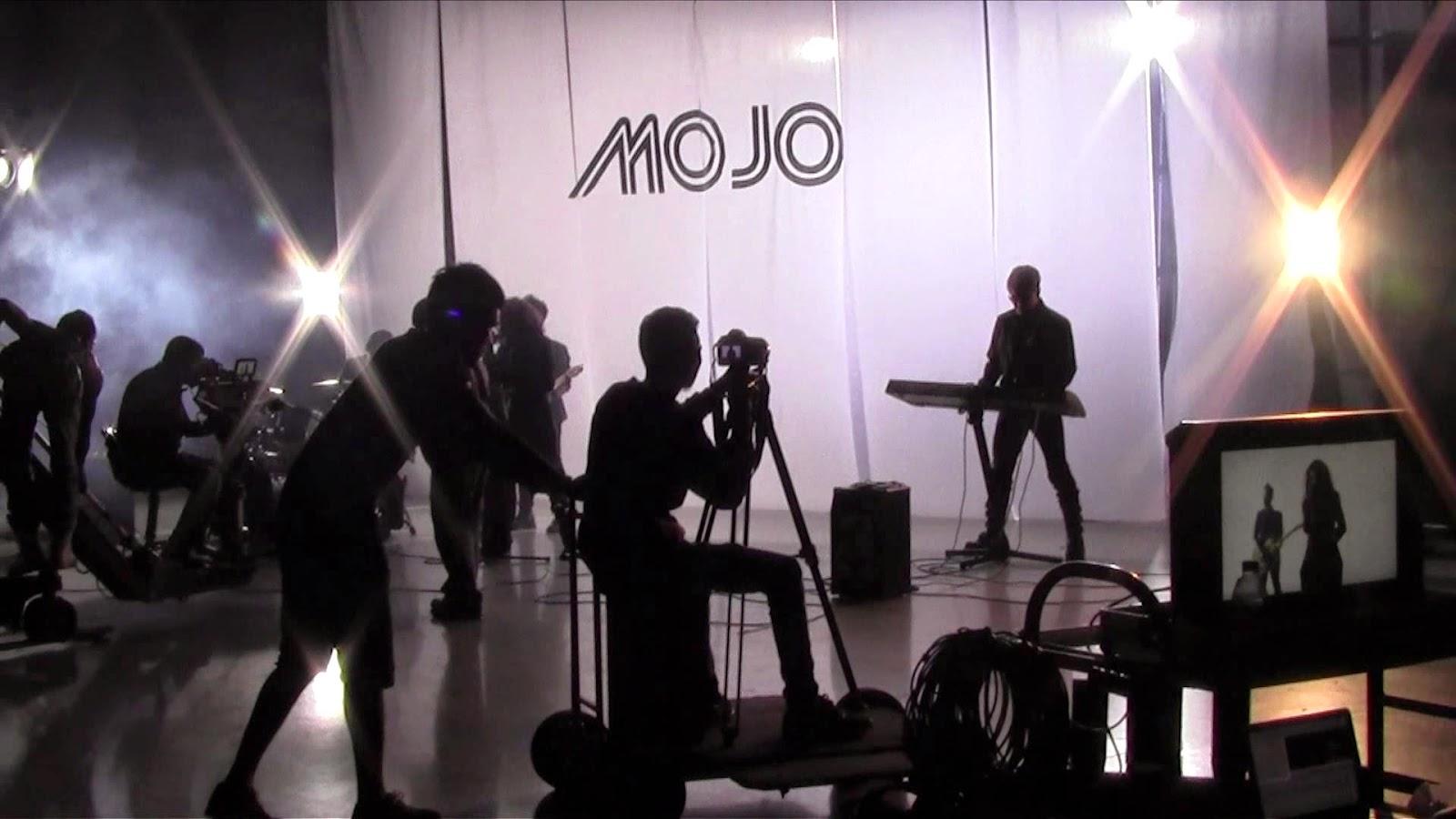 Lirik Lagu Andai Ku Bercinta Lagi - MOJO.mp3