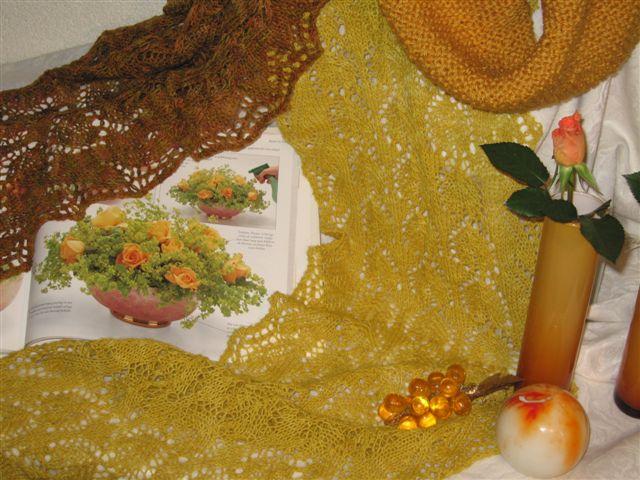 GEBREIDESJAALS  Yellow shawls, geelachtige sjaals en gele kollen, gebreidesjaals vindt geel de