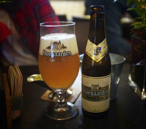 Бельгийское пшеничное пиво hoegaarden gran cru