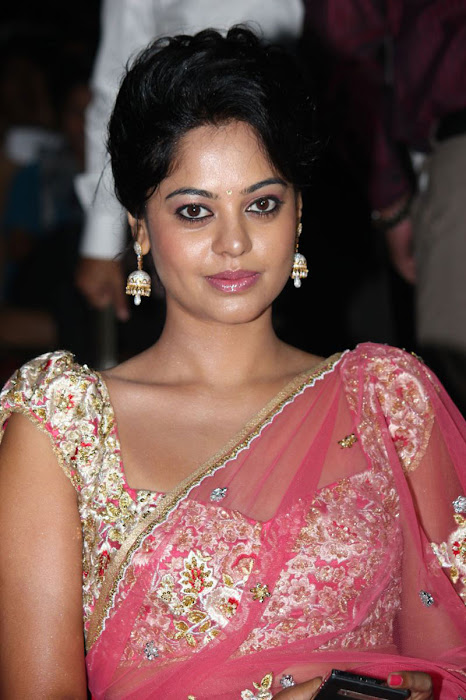 bindu madhavi new saree latest photos