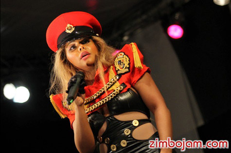 Lil Kim Hits The Stage In Zimbabwe!