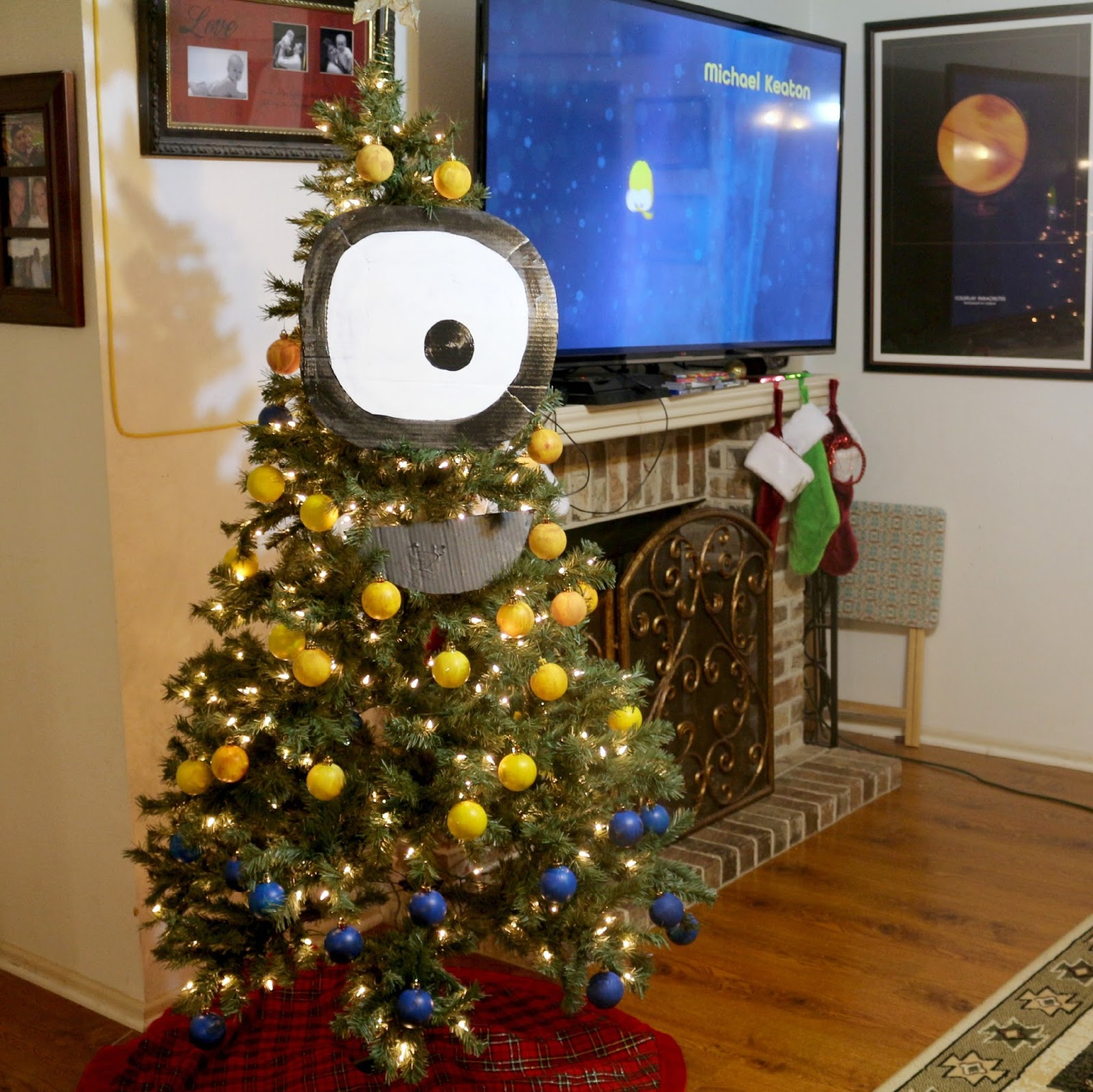i cannot tell you how excited i was when i finally saw it on the shelf at my local target in its cute little blu raydvd metalpak - Minion Christmas Tree