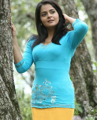 Roma Asrani hot images
