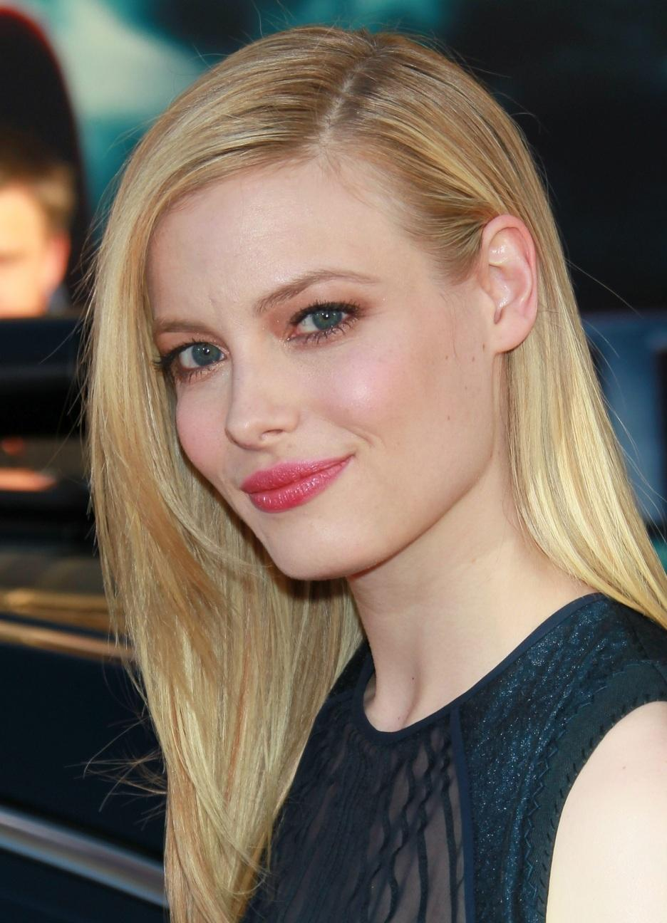 Gillian Jacobs Beautiful Blonde Hair Just A Pretty Celebrity