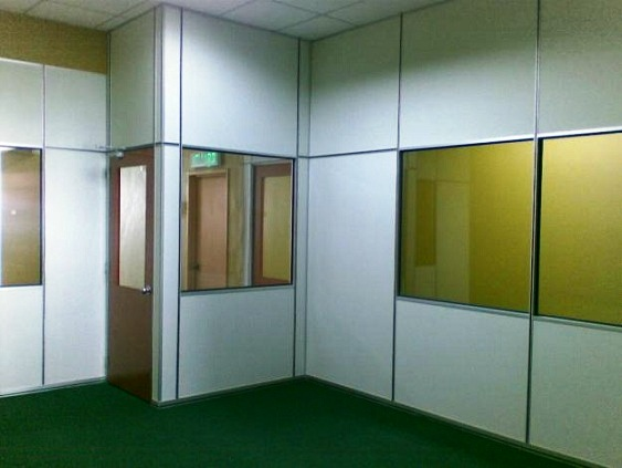Details of gypsum board partition system