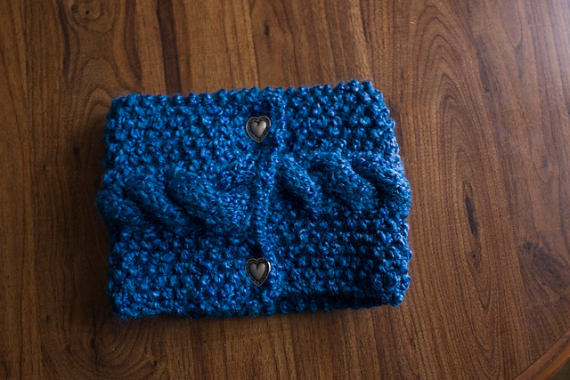 ThriftyRedhead: Seeded Cabled Neckwarmer - Free Pattern