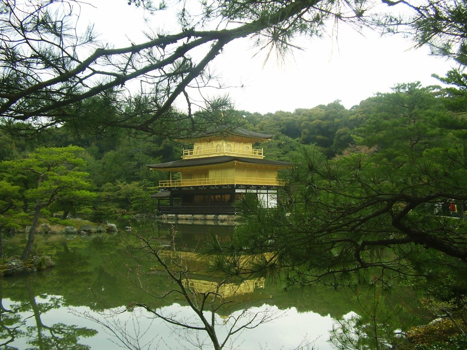 Pabellon dorado en Kioto (Kyoto), Japon