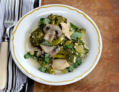 Slow Cooker Chicken with Thai Curry, Broccoli, and Mushrooms